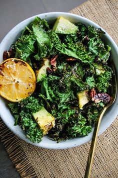 This grilled kale salad is paired with avocado, lemon, garlic, toasted pecans, and parmesan. Grilling kale makes it SO flavourful and a little crispy – it's one of my favourite salad recipes to date! #kale #salad #healthyrecipe Grilled Avocado, Sauteed Kale, Fresh Avocado, Avocado Salad, Healthy Appetizers, Healthy Salads, Appetizer Recipes, Healthy Recipes