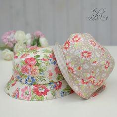 퀼트 벙거지모자 만들기 : 네이버 블로그 Bandanas, Hand Art, Small Quilts, Hat Making, Couture, Mittens, Quilt Patterns, Bucket Hat, Diy And Crafts