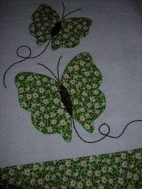 Resultado de imagem para deize costa artesã Applique Towels, Hand Applique, Applique Patterns, Applique Designs, Quilt Patterns, Flower Applique, Sewing Hacks, Sewing Crafts, Sewing Projects