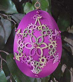 Tatting and beads on satin egg Tatting Jewelry, Tatting Lace, Needle Tatting Patterns, Easter Egg Crafts, Beaded Christmas Ornaments, Egg Art, Wholesale Beads, Lace Making, Lace Patterns
