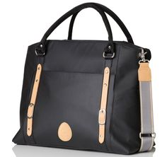 Mirano black is a beautiful tote diaper bag, a stylish mix of natural fabrics & leather. Our unique 3-in-1 pod organising system will keep you calm & cool