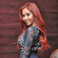 Love the new fit, red headed milf snooki :)