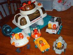 VINTAGE PLAYWORLD PLAYMATE SPACE STATION 1984