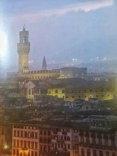 Vista nocturna de Florencia, Italia