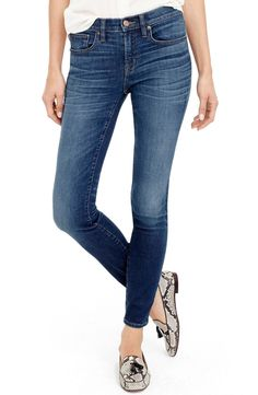 Loving these ultra-skinny jeans that will be an essential all year long.