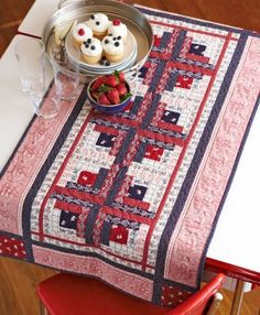 Patriotic Quilt Patterns | AllPeopleQuilt.com | Quilted Table Runner | Patriotic Theme