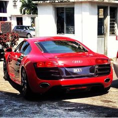 Thanks to @myplatenumber #audi #r8 #red