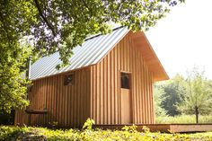 Garden House 01 Ingenious Wooden Shed Full of Surprises in the Outskirts of Eindhoven Eindhoven, Folding House, Wooden Cladding, Wooden Sheds, Small Studio, Shed Plans, House And Home Magazine, Play Houses, Architecture Design