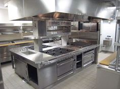 Commercial Kitchen Installation and Repair Warehouse Kitchen, Hotel Kitchen, Bakery Kitchen, Kitchen Interior, Warehouse Plan, Commercial Kitchen Design, Commercial Kitchen Equipment, Restaurant Kitchen Equipment, Brown Kitchens