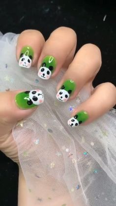 Wow, the frog 🐸 is too lovely, I also want to draw it on my nails. Nail Art Designs Videos, Cute Nail Art Designs, Nail Art Videos, Simple Nail Designs, Acrylic Nail Designs, Pink Acrylic Nails, Pink Nail Art, Art Nails, Blue Nails