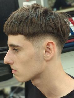 Short Hair Man, Bowl Cut, Cool Haircuts, Swallow, Short Hairstyles, My Photos, Hair Cuts, Tumblr, Mood