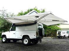 EXPEDITION AWNWING WITH COVER, SIDE AWNING, RNA731, SAFARI EQUIP - Rovers North - Classic Land Rover Parts Land Rover Defender Camping, Defender Camper, Off Road Camping, Truck Camping, Minivan Camping, Vw T3 Doka, Kombi Motorhome, Camper Awnings, Bug Out Vehicle