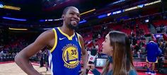 Kevin Durant, Draymond Green dominate Detroit Dubs Block Season-High 15 in Sixth Straight Win Posted: Dec 08, 2017 #KevinDurant posted 36 points, 10 rebounds, 7 assists and 5 blocks while #DraymondGreen added 13 assists and 6 blocks. #KlayThompson scored 15 of his 21 points after halftime. He has knocked down at least one trey in 81 straight games, fourth longest streak in NBA history.