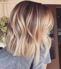 Balayage hair, ombre hair, balayage color, baylage straight hair, hair and nails Longbob Hair, Balayage Straight Hair, Dark Hair With Highlights, Ombre Highlights, Caramel Highlights, Blonde Lob Balayage, Caramel Balayage, Balayage Color, Caramel Hair