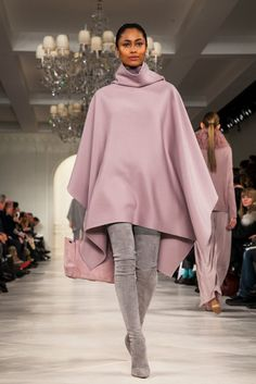 A look from the Ralph Lauren Fall 2014 RTW collection. Fall Winter Outfits, Ny Times, Front Row, Curves, Ralph Lauren, My Style, Womens Fashion, Hoods, How To Wear