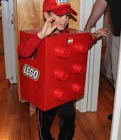 Have a LEGO fan at home? You must make this costume! With Halloween just around the corner, I thought I'd share the LEGO costume we made . Halloween Costumes For Work, Halloween Office, Easy Costumes, Halloween 2016, Costume Ideas, Halloween Ideas, Card Costume, Lego Costume, Operation Christmas Child