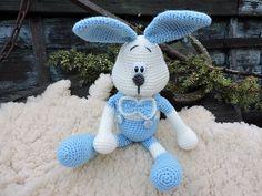 Ravelry: The Bunny Ralf - Amigurumi Crochet Pattern pattern by Kipre & Pähkla