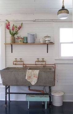 New ideas farmhouse laundry room sink wash tubs Room Makeover, Laundry Mud Room, Recycled Sink, Home, Laundry Tubs, Concrete Sink, Laundry Room Decor, Vintage Laundry Room Decor, Basement Laundry