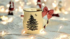 Are you looking for inspiration for christmas aesthetic?Navigate here for cool Xmas inspiration.May the season bring you peace. Christmas Mood, Merry Little Christmas, Christmas Images, All Things Christmas, Christmas Lights, Christmas Decorations, Rustic Christmas, Preppy Christmas, Winter Things