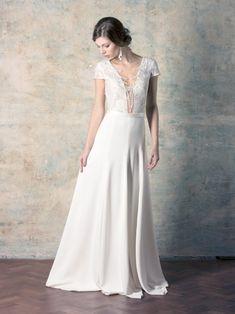rochie de mireasă simplă și elegantă cu decolteu adânc și broderie Couture Dresses, Wedding Dresses, Collection, Fashion, Bohemia, Embroidery, Haute Couture Dresses, Bride Dresses, Moda