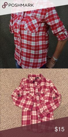 Trendy red and white plaid flannel Perfect for all. Super soft flannel with two front pockets. Sleeves can be pulled up or wear to wrist. Also has snap closure. Amazing! Need some style inspiration? Pair with jeans and some cute flats or shorts and some flip flops.  Tops Button Down Shirts