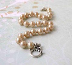 Vintage Pearl Bracelet Ivory and Silver Keepsake