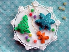 sewing 101: cookie cutter ornaments   Design*Sponge   Finally, some DIY Christmas ornaments I can get behind!