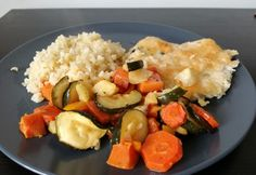 Mozzarellás csirkemell sült zöldségekkel és bulgurral
