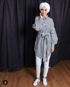 Pinterest :@haf_tima ♥ Hijab Fashion Summer, Modern Hijab Fashion, Street Hijab Fashion, Muslim Fashion, Denim Fashion, Girl Fashion, Fashion Outfits, Stylish Hijab, Hijab Casual