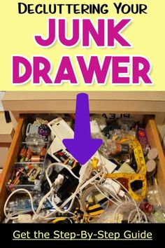 How to clean a cluttered house FAST. step by step, room by room, drawer by drawer. Declutter and organizing your kitchen junk drawers the easy way Junk Drawer Organizing, Diy Drawer Organizer, Clutter Organization, Organizers, Kitchen Junk Drawer, Diy Kitchen Storage, Declutter Your Home, Organizing Your Home, House Cleaning Tips