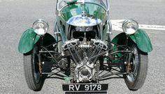 Morgan Super Sports three wheeler, built: 1936 in Malvern, Worcestershire, England, Engine: 990 cc air cooled Matchless Morgan Sports Car, Morgan Cars, Vintage Racing, Vintage Cars, Morgan Motors, Austin Seven, Bobber Style, Reverse Trike, British Sports Cars