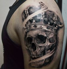 Skull crown tattoo   Tattoo artist: Pedro Müller @pedromullertattoo Crown Tattoo Men, Crown Tattoo Design, Arm Tattoos For Guys, Couple Tattoos, Skull Tattoos, Fish Tattoos, Skull With Crown, Paar Tattoos, Tattoo Ideas