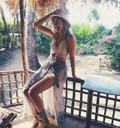 #yogagirl #yoga #positivemind #tropical #exoticdream