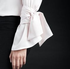 Because sometimes a flared sleeve isn't enough. Tie in some extra detail. Sleeves Designs For Dresses, Sleeve Designs, Design Textile, Fashion Details, Fashion Design, White Shirts, Refashion, Fashion Dresses, Style Inspiration