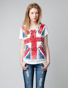 Love me or leave me at London t-shirt, by Bershka