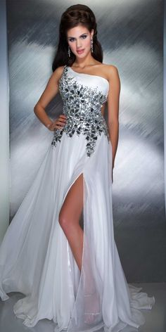 Mac Duggal Dazzling Evening Dress (85150M)