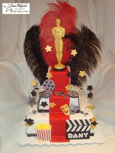 Hollywood Party - maybe something like this as a centrepiece for each table. Using empty boxes. Hollywood Glamour Party, Hollywood Cake, Old Hollywood Theme, Red Carpet Party, Red Carpet Event, Oscars, Hollywood Birthday Parties, Movie Party, Oscar Party