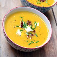 Crème de potiron au chèvre frais : 30 recettes de soupes d'hiver - Journal des Femmes