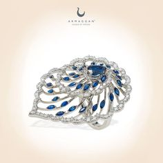 Sweet william flower brings glory to #ARMAGGAN Floral Jewelry Collection. The sparkle of diamonds are fascinated by