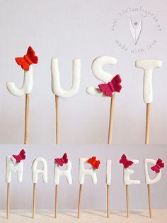 Just married Sticks von www.at Cupcake Muffin, Cupcakes, Love, Just Married, Muffins, Wedding, Wedding Ideas, Gifts, Dekoration