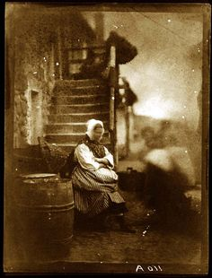 David Octavius Hill and Robert Adamson - Fishwife from Newhaven, between 1843-1847