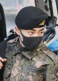 Baekhyun Chanyeol, Kim Minseok Exo, Exo Kai, Fanfic Exo, Exo Album, Exo Official, Xiuchen, Korean Boy, Kim Min Seok
