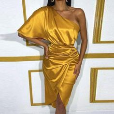 Trend Fashion, Slit Dress, Types Of Dresses, Slim Waist, Satin Dresses, Midi Dresses, Gold Dress, Formal Gowns, Fancy