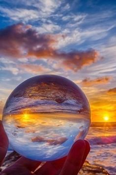 Sunset through crystal ball. Beautiful Sunset, Beautiful World, Pretty Pictures, Cool Photos, Amazing Photography, Nature Photography, Fotografia Macro, Photos Voyages, Crystal Ball