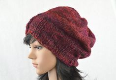 Wintery wool hat in different burgundy for women