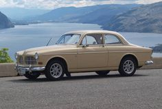 Volvo 122S 1965 copper with bronze interior My first art teaching job in Memphis