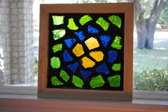 dalle de vere shadow box frame Mosaic Art, Mosaics, Glass Houses, Shadow Box Frames, Faceted Glass, Glass Art, Home Decor, Glass, Paving Slabs