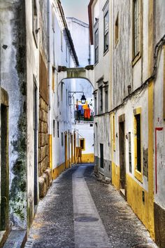 Óbidos, Bragança and Évora in Portugal among 40 of the last storybook towns left in Europe according to Matador Network 20.08.2014 | Photo: Évora, Portugal - Within its 14th-century walls, Évora is pockmarked with intriguing historic sights like Roman baths, the Templo Romano, and the town hub, Praça do Giraldo. | + info: www.visitportugal.com