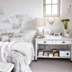Spring / Summer Collection 2013 by Zara Home All White Bedroom, White Bedroom Design, Pretty Bedroom, Bedroom Colors, White Bedrooms, Small Bedrooms, Zara Home Bedroom, Shabby Bedroom, Bedroom Vintage