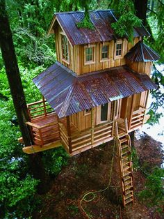 From simple tree house plans for kids to the big ones for adult that you can live in. If you're looking for tree house design ideas. Find and save ideas about Tree house designs. Treehouse Masters, Bungalow, Tree House Plans, Cool Tree Houses, Tree House Designs, Tree Tops, In The Tree, Play Houses, My Dream Home
